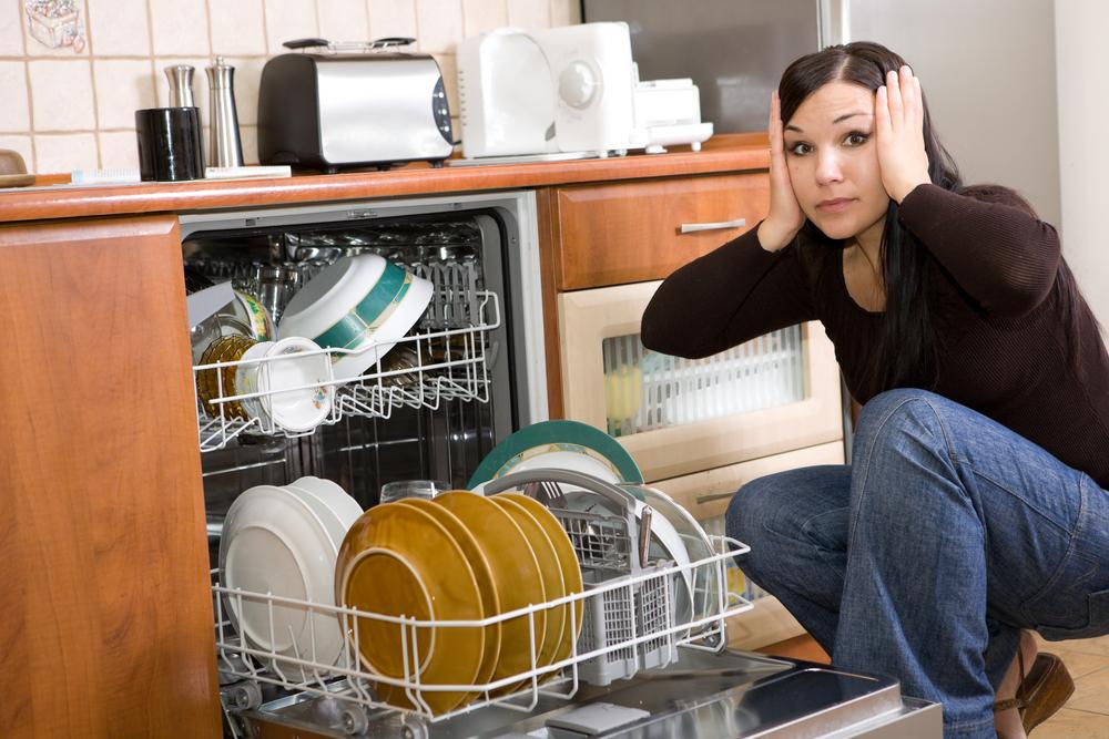 сломалась посудомоечная машина